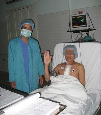 """gheptim 7eab5 Tốn nhiều tiền, mắc thêm """"tật"""" sau chữa bệnh ở nước ngoài"""