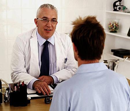 Chẩn đoán và điều trị viêm loét đại tràng chảy máu 1