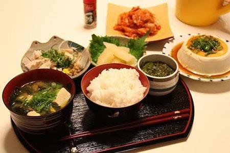 Chế độ ăn cho bệnh viêm loét đại tràng mạn tính 1