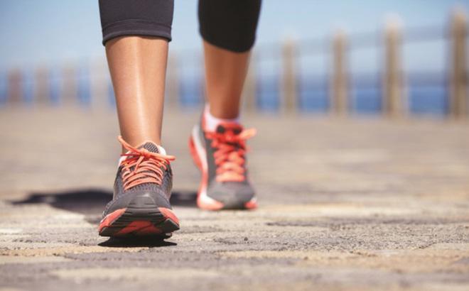 đi bộ giúp giảm nguy cơ hội chứng ruột kích thích