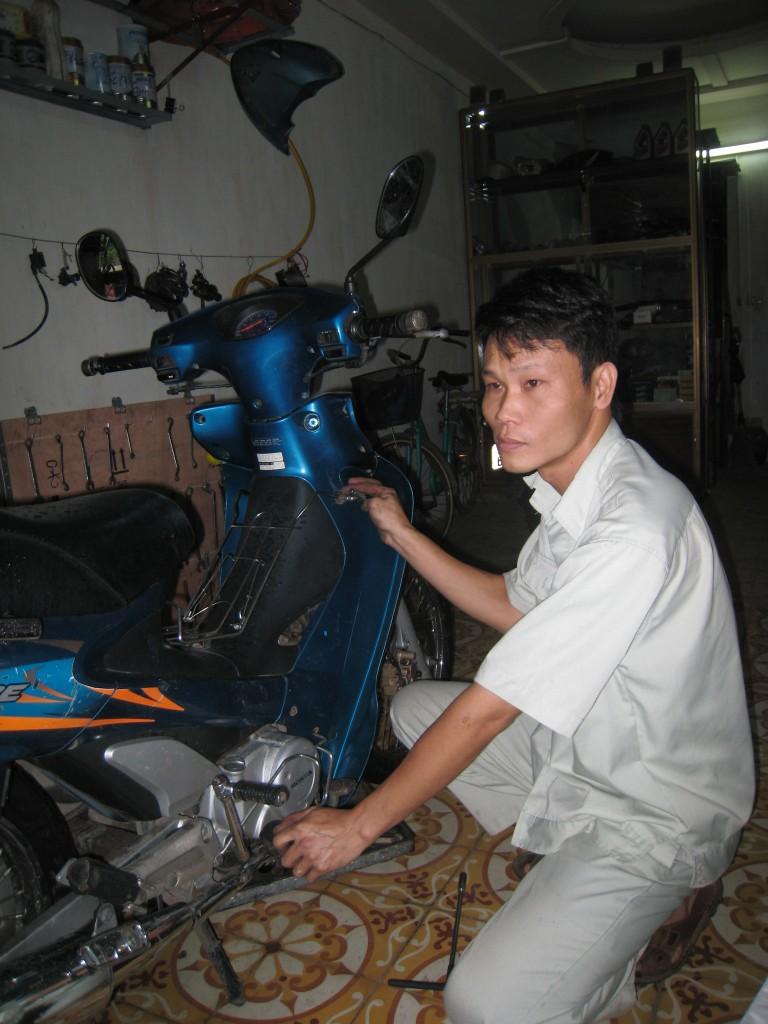 Câu chuyện 15 năm viêm đại tràng và ước mơ giản đơn của anh chủ tiệm sửa xe 1