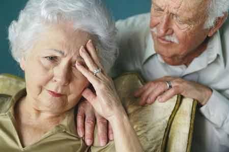 Chứng rối loạn tiêu hóa ở người già 1