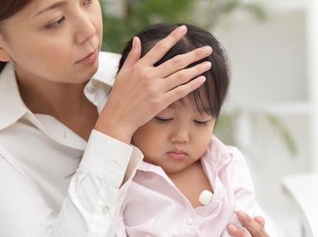 Sơ cứu khi trẻ bị ngộ độc thực phẩm 1