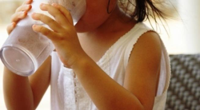 Chăm sóc trẻ bị ngộ độc thực phẩm như thế nào? 1