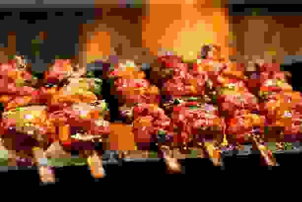 Cách làm món lá mơ cuộn thịt heo nướng 3