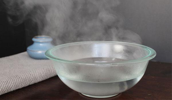 4. Ngâm hậu môn với nước ấm 1