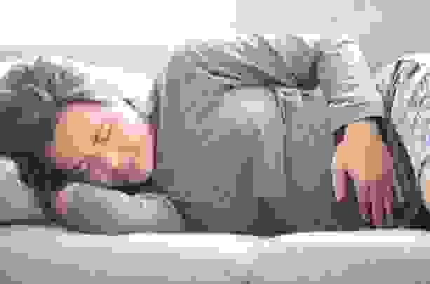 Khi bị đau bụng đi ngoài kèm theo sốt nên làm gì? 1