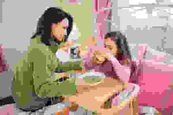 Cách chăm sóc trẻ bị tiêu chảy do thuốc kháng sinh 1