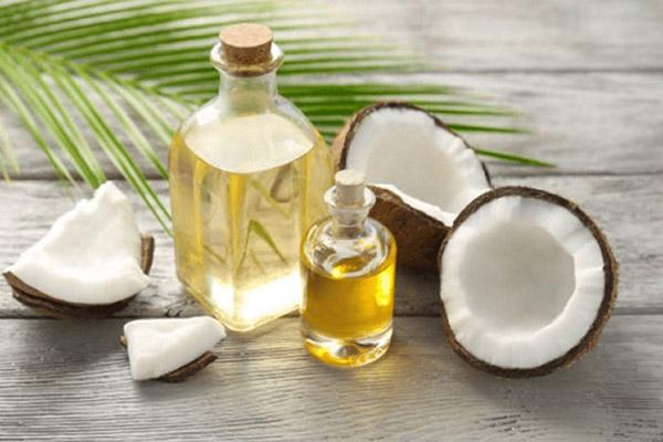 Thoa dầu dừa 1