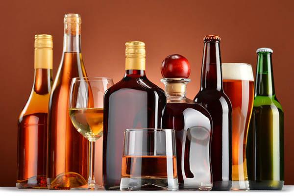 Rượu bia, đồ uống có ga, chất kích thích 1