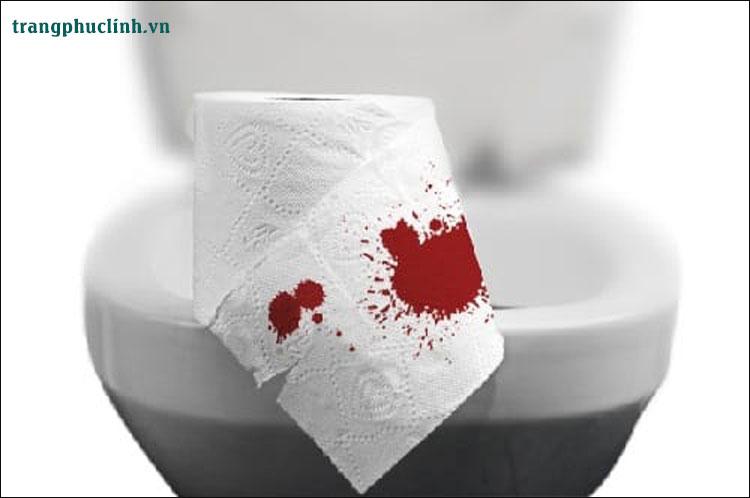 Trẻ bị đi ngoài ra máu nên ăn gì? 1